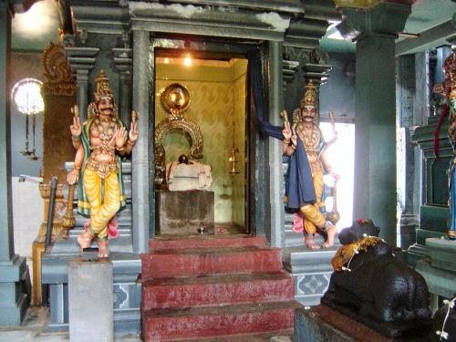 マータレーのヒンズー教寺院3.jpg