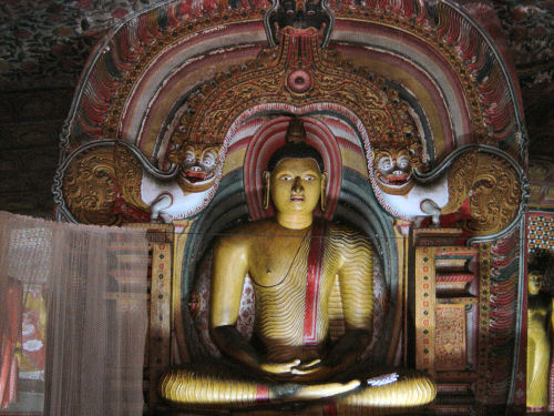 ダンブッラ石窟寺院5.jpg