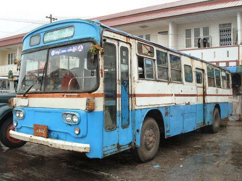 日本製中古バス.jpg