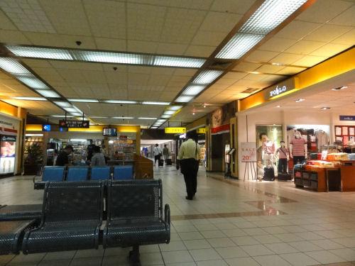 グラライ空港.jpg