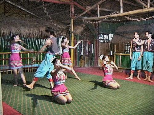 ミャオ族踊り.jpg