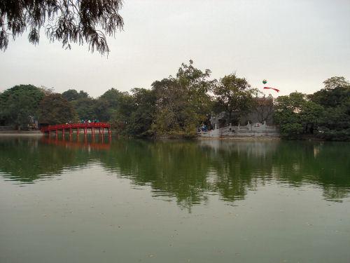 ホアンキエム湖.jpg