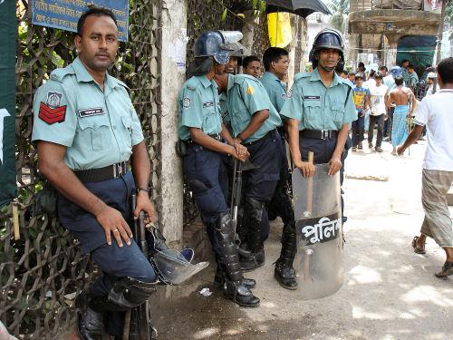 バングラ警官.jpg