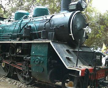 サイヨークの滝のそばの公園にあった機関車
