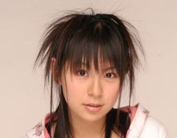 ブロンドヘアーの疋田紗也さん