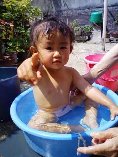 水浴び01