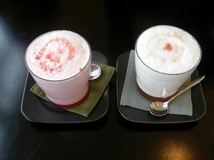 桜ミルクと苺ミルク.JPG