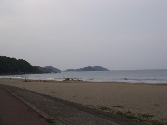 生見ビーチ