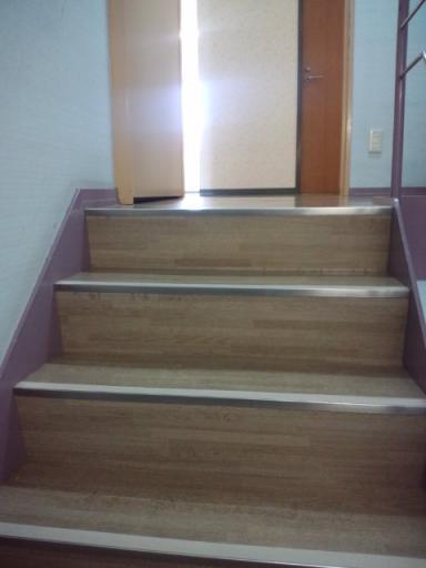 寮の階段.jpg
