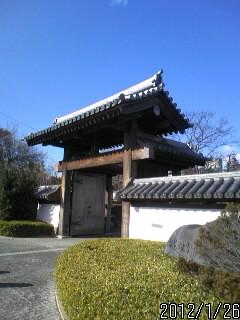 入り口の門1