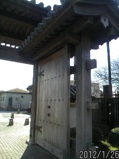 入り口の門2