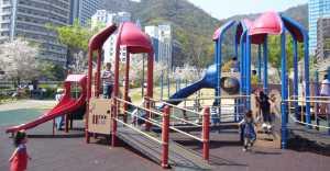生田川公園遊具