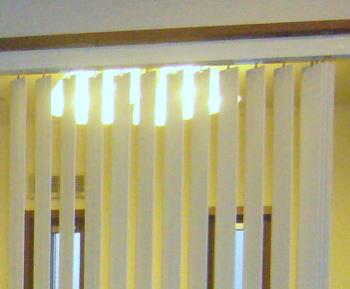 縦型ブラインド、木製「マデラ」のホームタコス
