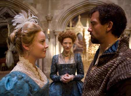 自分の分身のベスとローリーとの関係に悩むエリザベス。