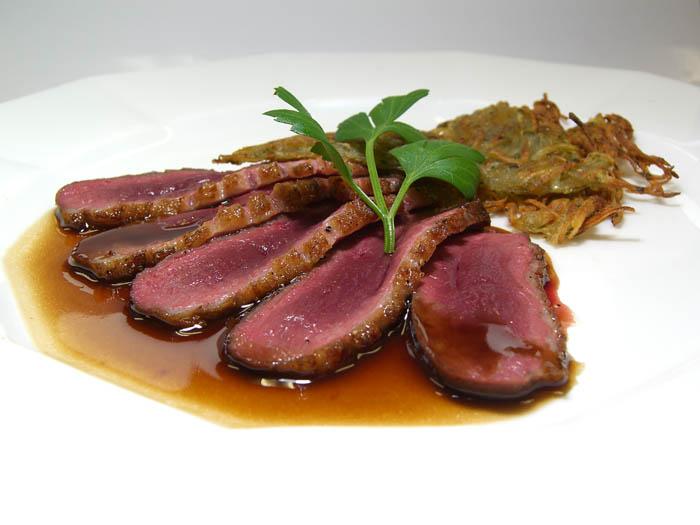 CIMG5622鴨のステーキ、赤ワインソース.jpg