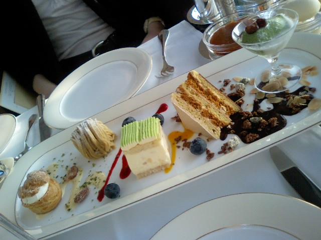 PEAKLOUNGE_Sweets.JPG