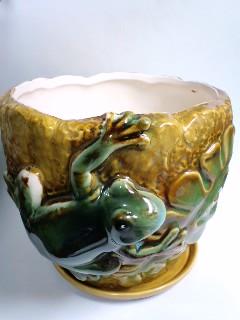 蛙付き植木鉢