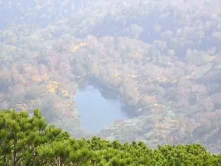 @12時43分ケルン山頂から湖.JPG