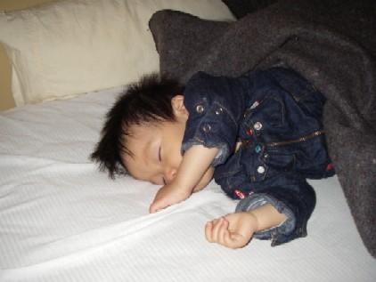 寝る3.jpg