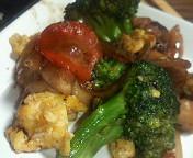 鶏肉とブロッコリーの黒こしょう炒め