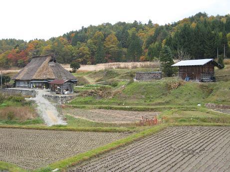 山の村 民家