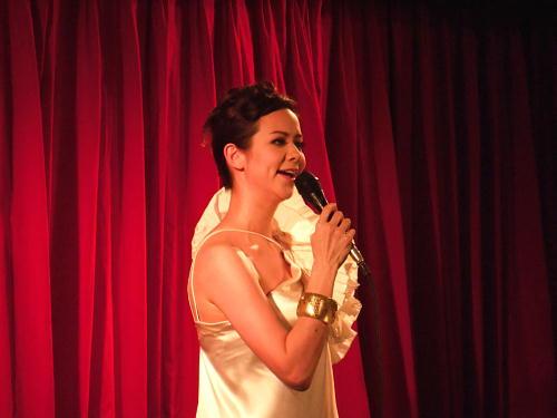 歌手 岡本茜さん