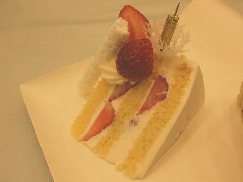 ショートケーキcut