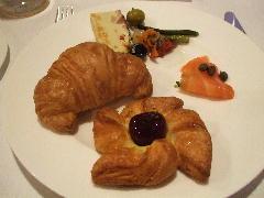 朝食 クロワッサン