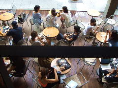 カフェ1階