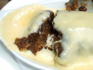 sticky toffee pudding 半割