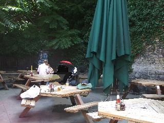 Turf Tavernの外