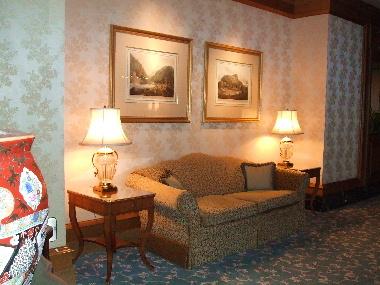 フォーシーズンズホテルの廊下1