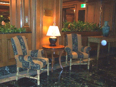 フォーシーズンズホテルの廊下2