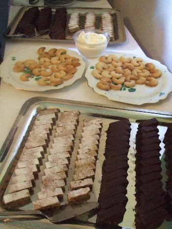 大使館のケーキ