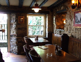 Turf Tavern 店内
