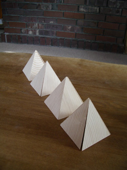 三角錐05.jpg