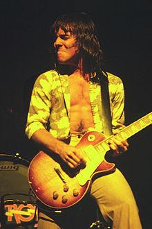 220px-Ronnie_Montrose_4_-_Montrose_-_1974.jpg