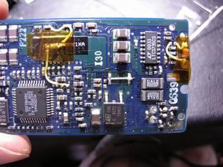 秋月 USB Audio UAC3552A 基板改造 - 左より デジタルアンプ TA1101B 停止改造、昇圧電圧低下に伴い 78M05 入力抵抗を 0 Ωに、LTC1735 昇圧電圧を 7.6V に