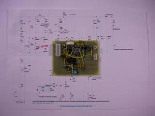 組み立て中の PWM 4Pin ファン信号を 3Pin 信号に変換する基板 - リンク先は拡大画像