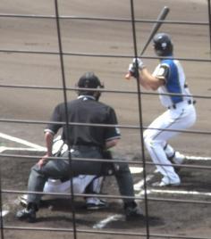 球審左打者立ち位置
