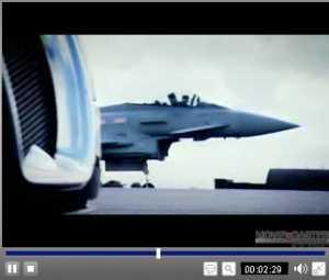 スーパーカーVS戦闘機.jpg