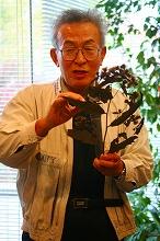 展示標本の解説(高橋信弥氏,マミガサキアザミ)