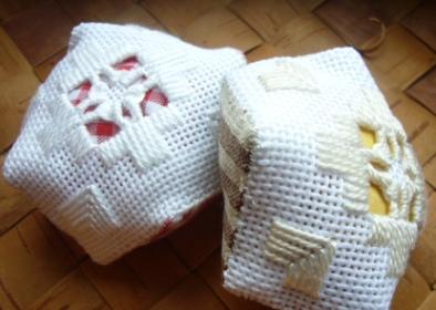 ハーダンガー刺繍の針山