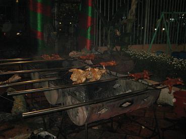 子豚の丸焼き01