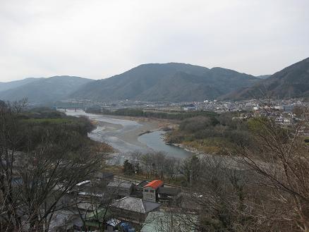 先祖のお墓から吉野川