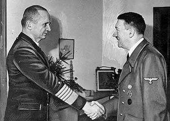 ヒトラーとデーニッツ
