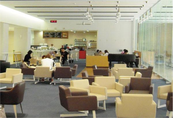 大学のカフェで授業をする『カフェゼミ』が大人気!!