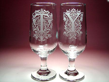 ご結婚祝いに イニシャル入りペアグラス