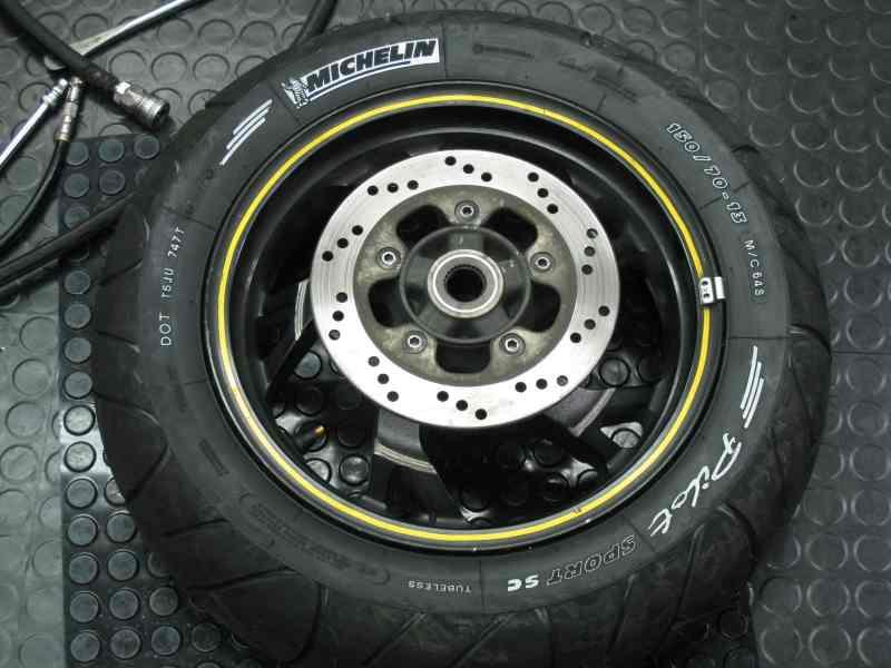 タイヤ交換R2-1