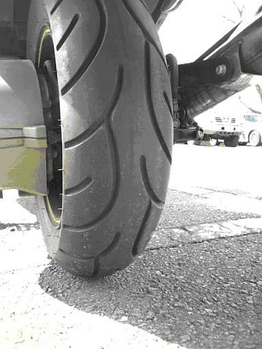 タイヤ取り付け.JPG